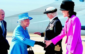 McGuinness offers hand of friendship to queen