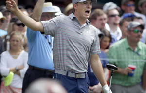 McIlroy leaves frustrated Spieth sitting in the shade