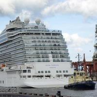 High winds delay luxury ship's arrival in Belfast