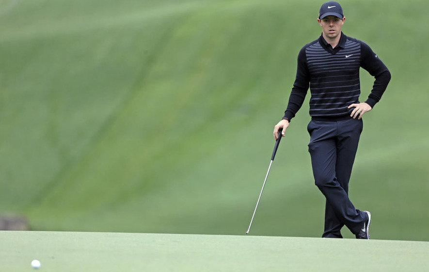 Espana leads in Spain as Jiminez carts hole-in-one