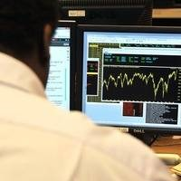 FTSE shrugs off UK growth fears