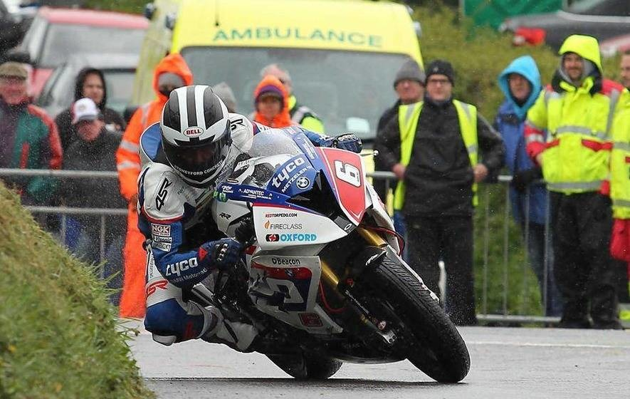 Dunlop in lucky escape as Hutchinson takes TT win