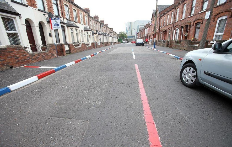 Loyalists Paint Road Markings Red White And Blue The