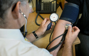 Doctors warn GP seven-day working not possible
