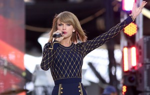Apple agrees deal with record labels over streaming service after pressure from Taylor Swift