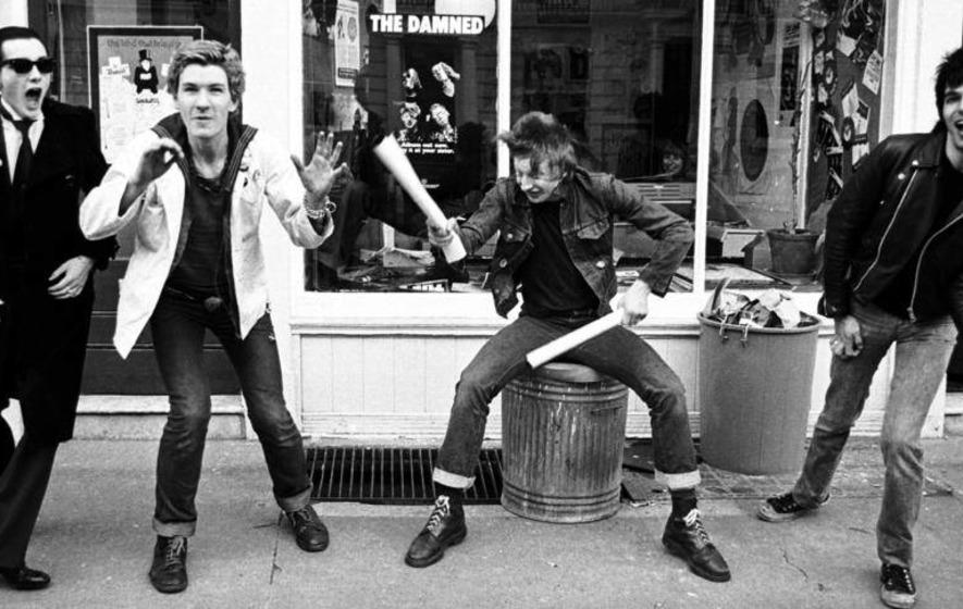 1980 punk rock girl takes 2 bbc - 1 4
