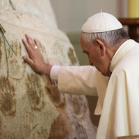 """Pope praises """"the most glorious women of America"""""""