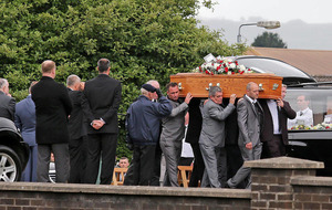 Police criticised over privacy request at UDA man Colin 'Bap' Lindsay's funeral