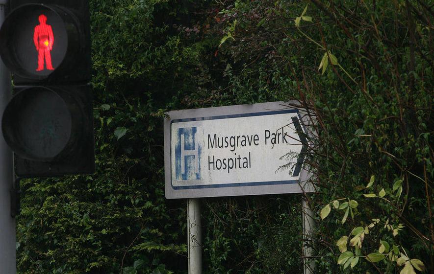 Stormont parties clash over hospital waiting list surge