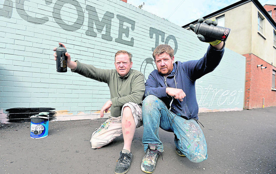 Nine loyalist paramilitary murals to be repainted
