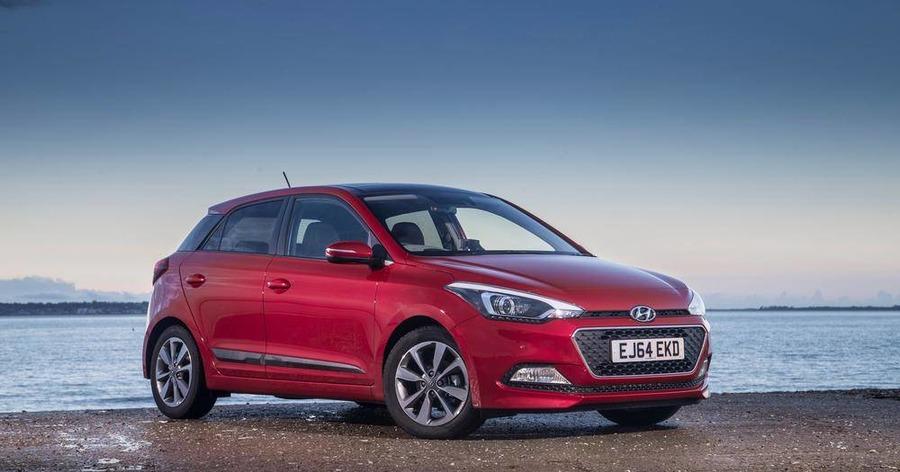 Refined hyundai makes big impression the irish news for Hyundai motor finance number