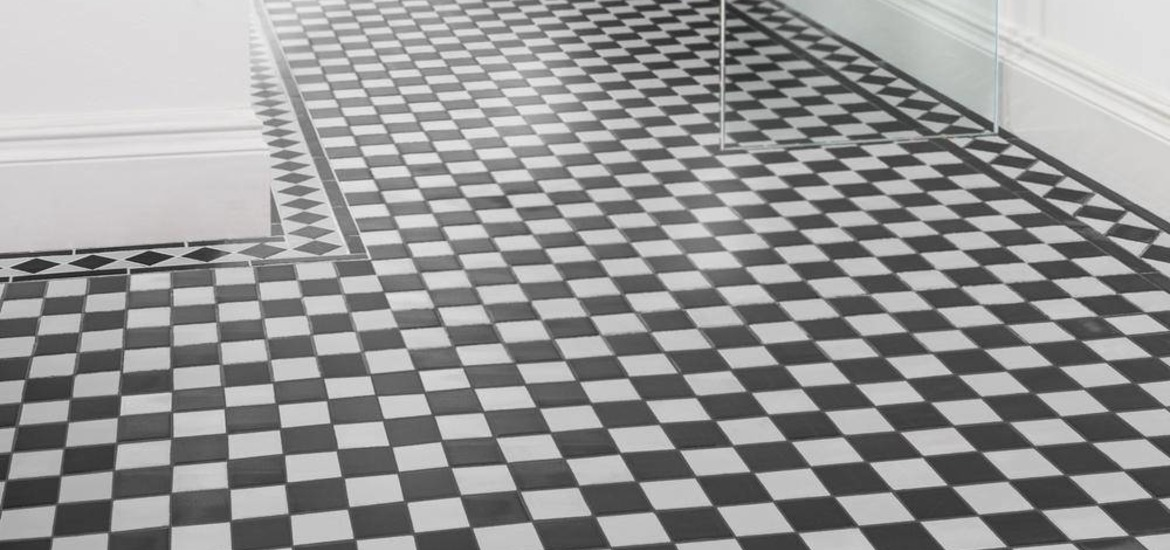Go Black To Basics With These Simple Design Tips Victorian And White Chequer Tile