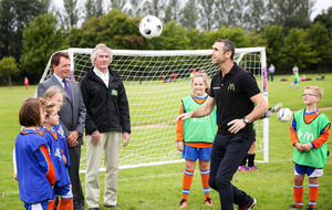 Keown and Jennings attend Community Football Day