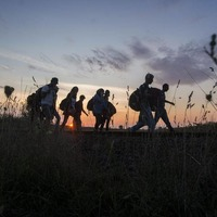 Fence fails to keep out refugees as tensions rise in Hungary