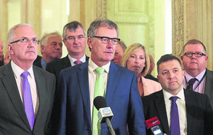 UUP leader Mike Nesbitt's Stormont exit strategy meets opposition