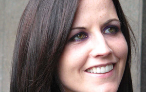 Dolores O'Riordan receiving medical care after alleged flight incident