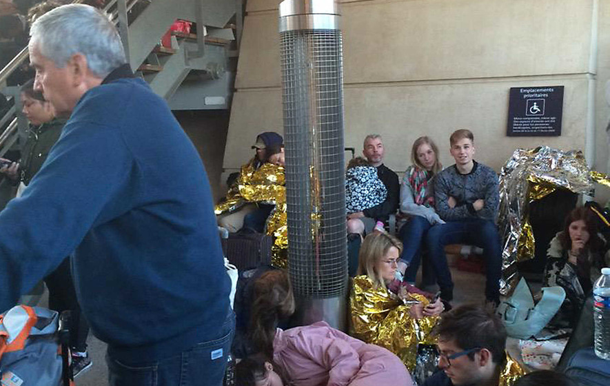 Eurostar train services disrupted as migrants block tracks