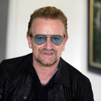 """Bono """"fears he will never play the guitar again"""""""