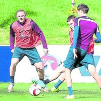 Rooney eyes England goal-scoring record