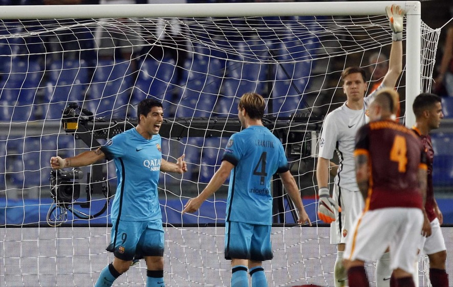Roma hold Barcelona after Suarez opens scoring