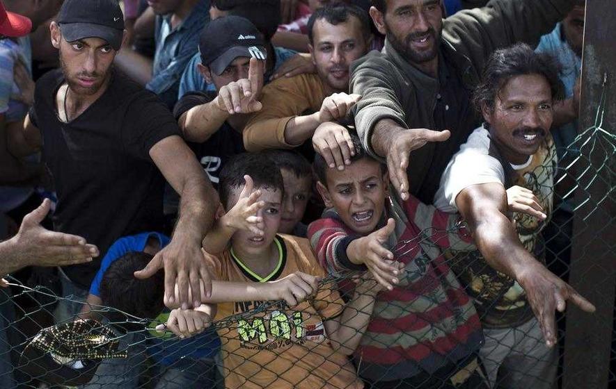 Croatia may close Serbian border following influx of refugees