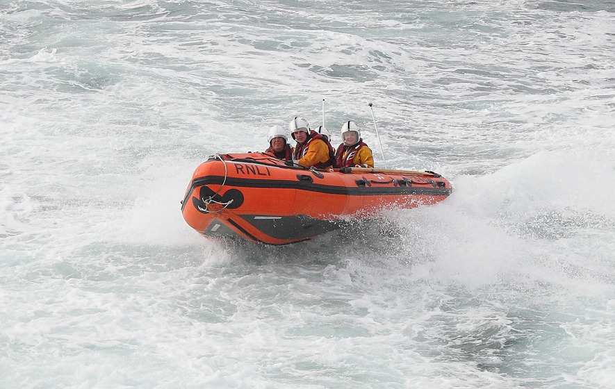 Search for missing kayaker continues