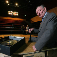 Tributes paid to 'giant of theatre' Brian Friel on his death