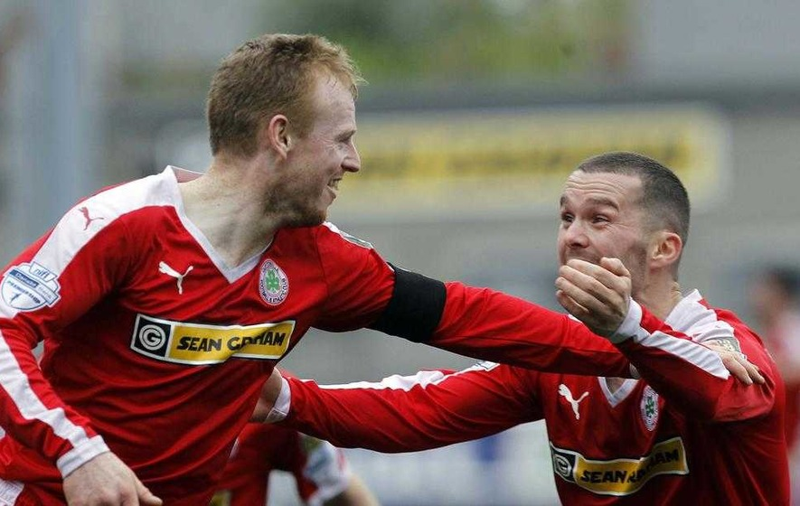 Cliftonville and Linfield share spoils in game for the ages