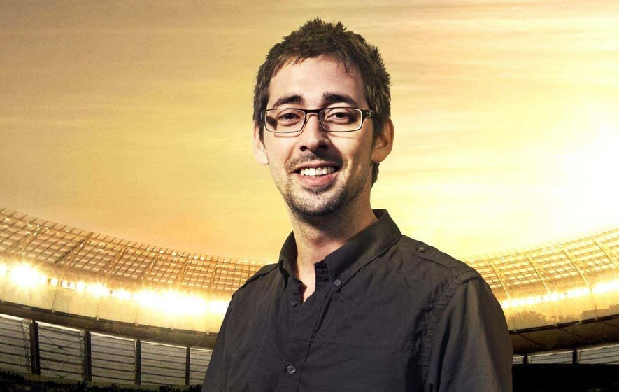 Colin Murray vows to run through Belfast in mankini after NI win