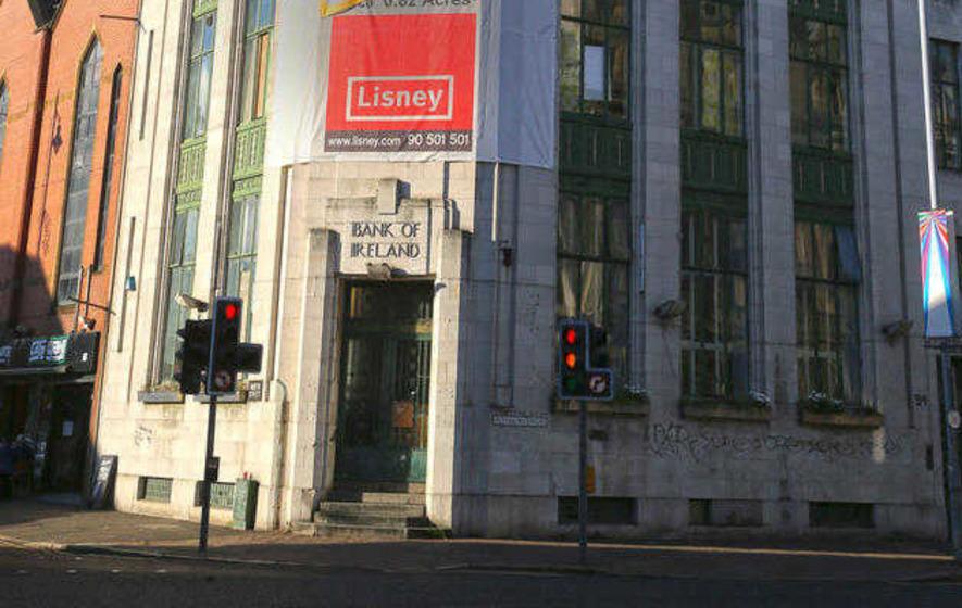 Art Deco Hoekbank.Art Deco Bank Of Ireland Sold In Multi Million Pound Deal