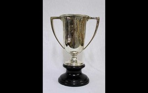 Titanic rescue ship's cup sells for £130,000