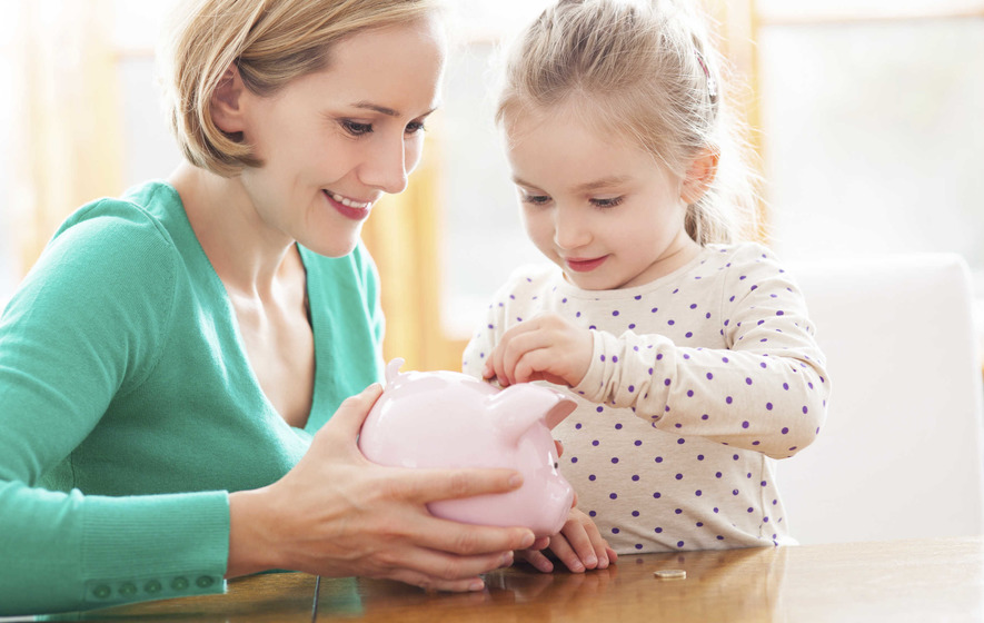 The best Christmas money saving tips