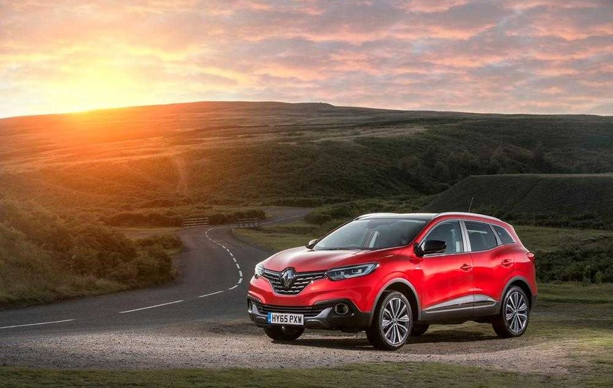 New Renault Kadjar goes to top of crossover class