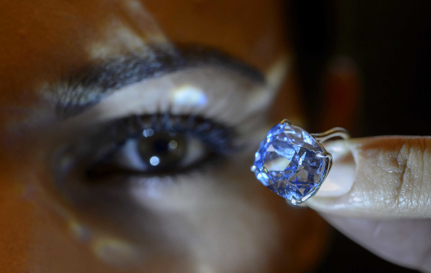 Hong Kong tycoon buys £50m worth of diamonds for daughter (7)
