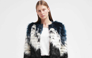 Fur stoles the show in autumn/winter cool street styles