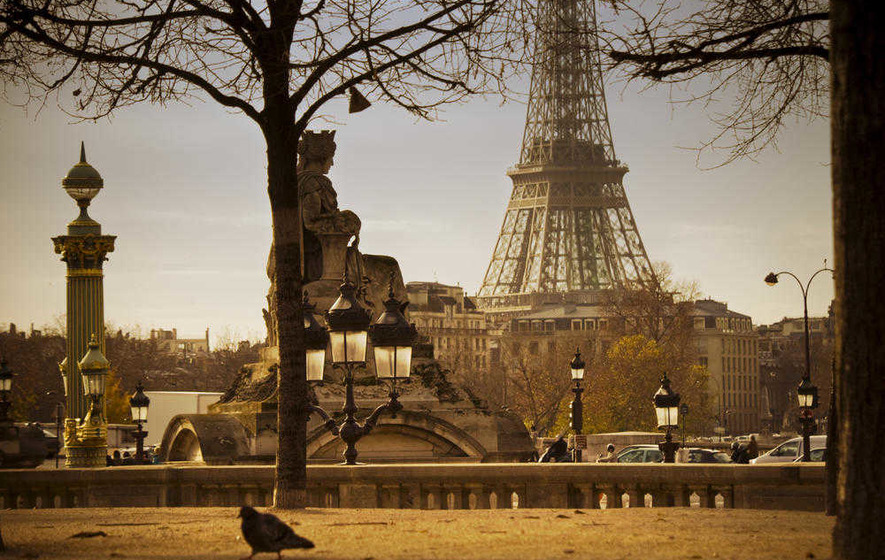 Paris, je t'aime: Another love song for a city