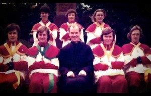 RUC officer and republican among altar boys reunion