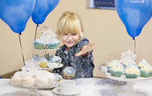 Snow cakes for autism charity this Christmas