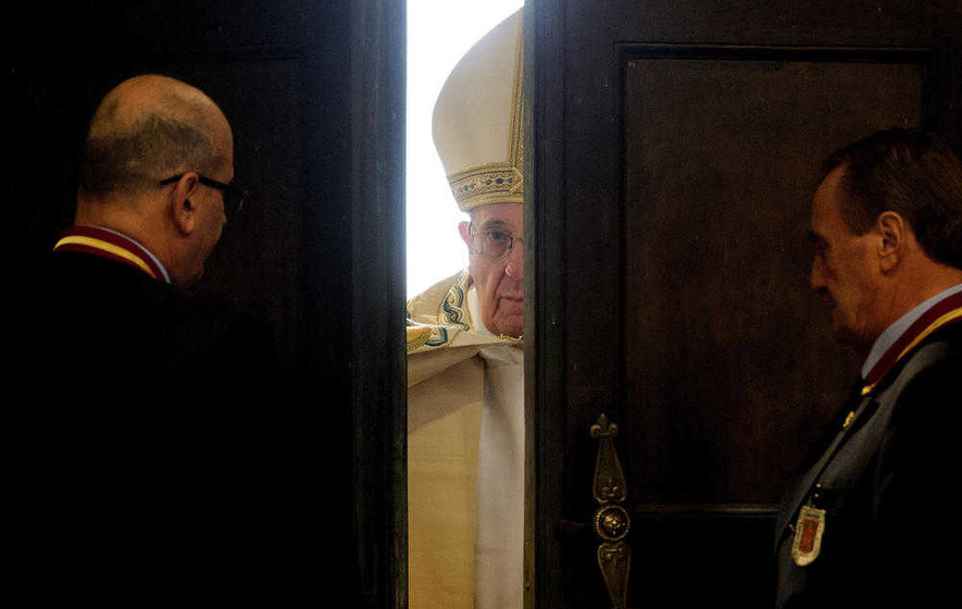 The invitation to open the Door of Mercy in 2016