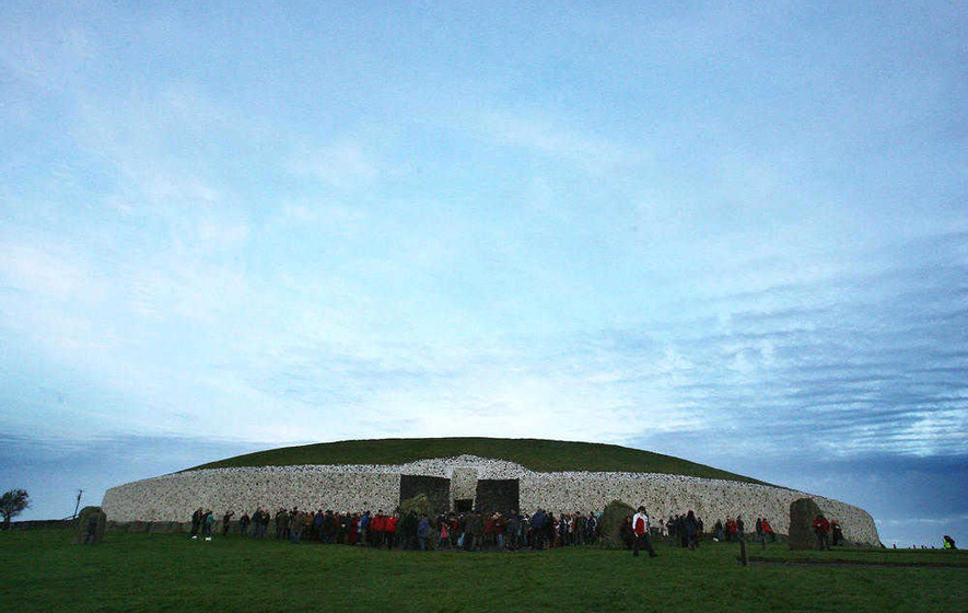 No winter solstice light at the end of the Newgrange tunnel