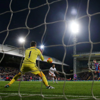 Swansea and Crystal Palace play out goalless draw